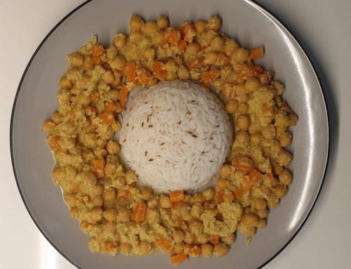 Curry di ceci al latte di cocco e riso basmati profumato al cumino